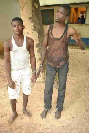 2 Notorious Ritualists Arrested With Human Head, Body Parts In Niger State (Graphic Photo)